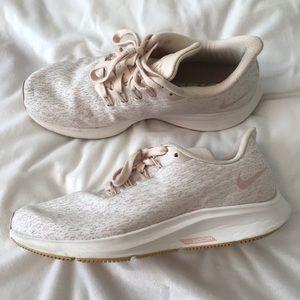Nike Sneakers -Light pink